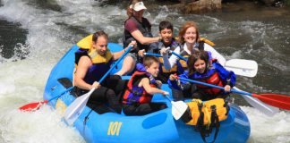 tips to enjoy whitewater rafting